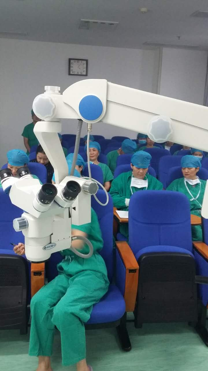 河南驻马店某医院-骨科手术显微镜